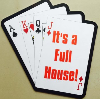 """""""Its a full house"""" Photo prop-0"""